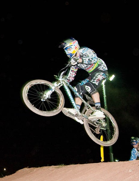 Gee Atherton (L) takes on Chris Kovarik