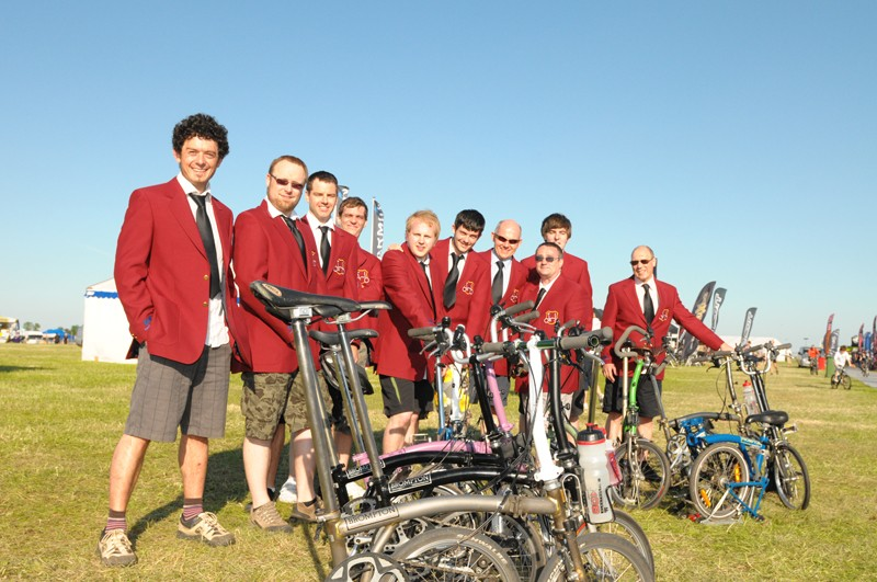 Team Brompton before the race