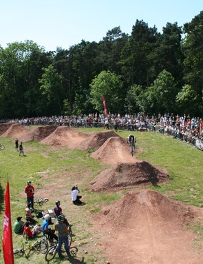 The dirt jumping drew a huge crowd