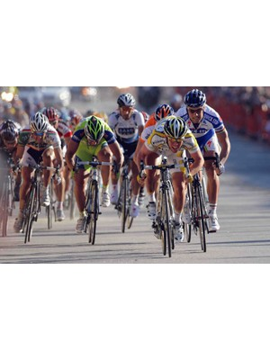 A sign of things to come in France this July? Cavendish outsprinting former green jersey Tom Boonen (R)?