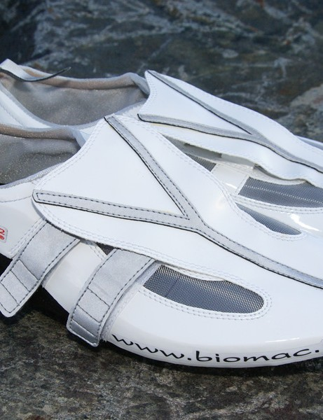 Biomac's unique shoes are stupendously lightweight but also fantastically stiff overall.
