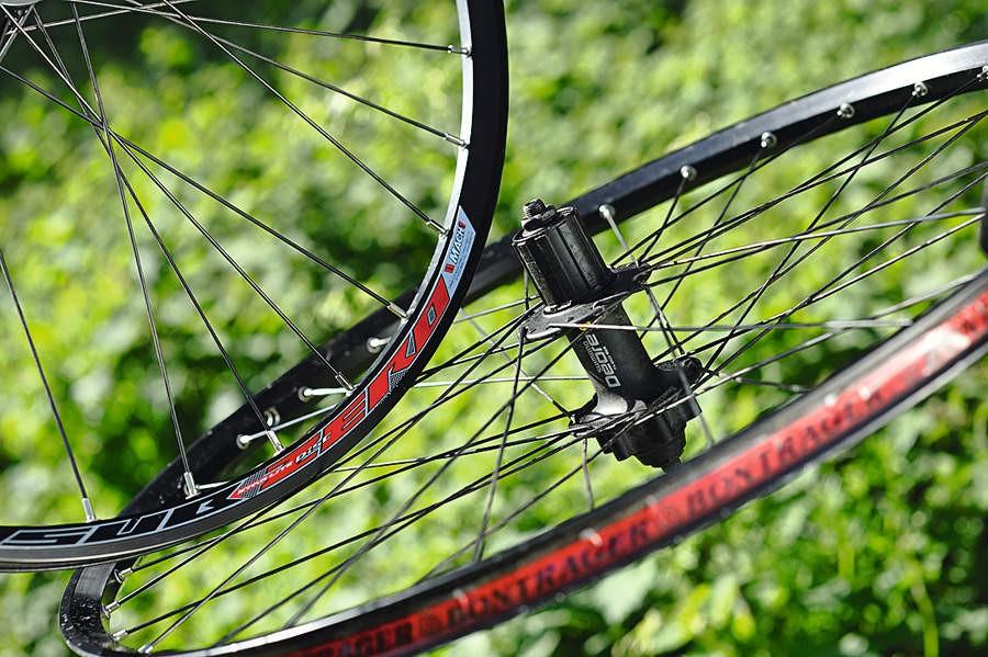 Momentum Boulder XC 15mm/Deore Wheelset