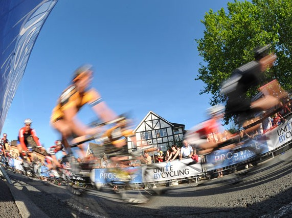 Round three of the Tour Series in Woking saw some fast and furious racing