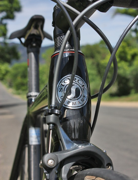 The barrel-shaped head tube lends more stiffness to the area