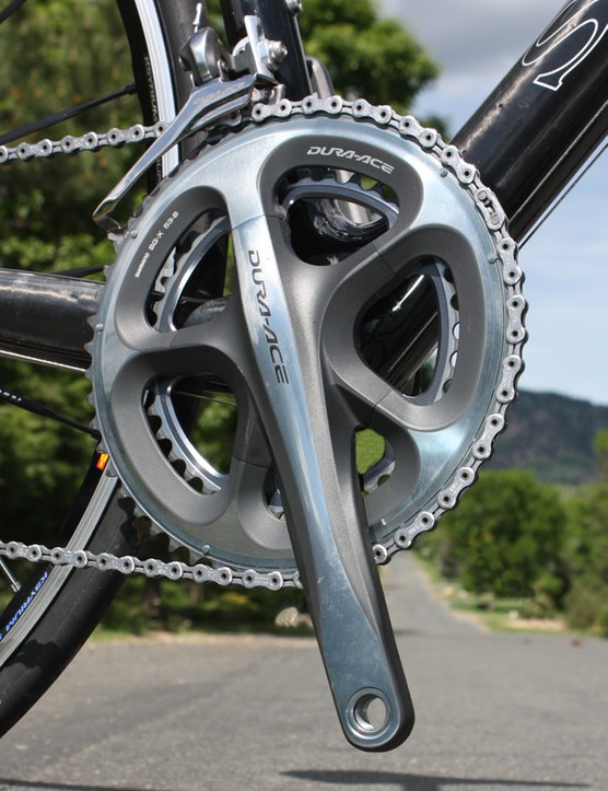 The Shimano Dura-Ace 7900 crankset continues to set the benchmark for its competitors with superbly rigid hollow-forged aluminium construction