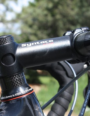 The Syntace F119 stem uses an aluminium shim at the steerer which allows for an oversized extension throughout the full length but also distributes clamp stress more evenly on carbon steerer tubes