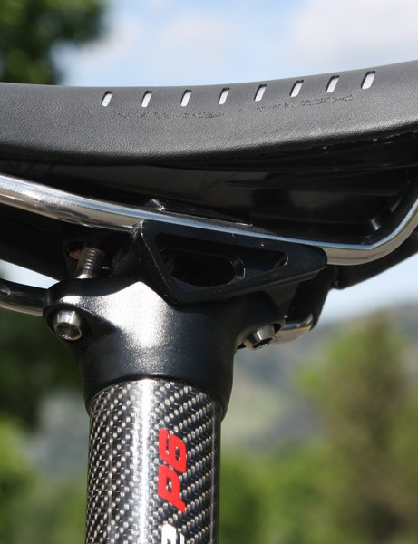 The Syntace P6's extra-long lower saddle rail cradle can be reversed front-to-back depending on where you need the rail support and the bolts are angled out for uber-easy access. Brilliant