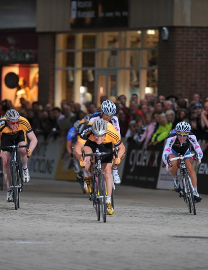 Racing was neck-to-neck at round four of the Tour Series