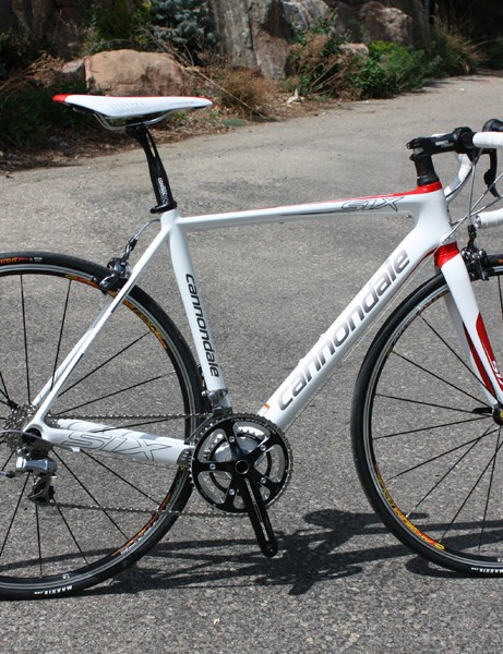 The Cannondale Six Carbon 3 is a close visual cousin to its SuperSix Hi-Mod big brother with comparable stiffness and comfort but a lot more weight