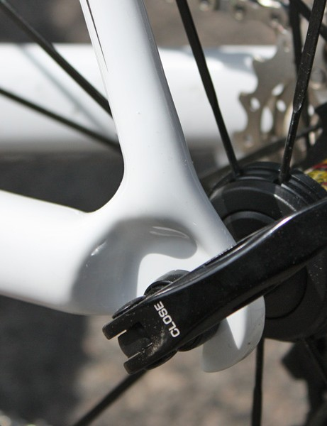 Mid-range status or not, the Cannondale Six Carbon still gets carbon dropouts