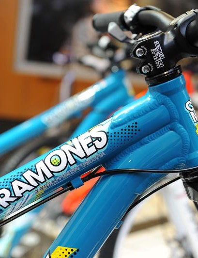 Ramones front end