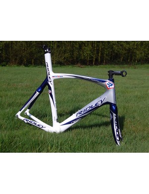Ridley are also offering the Noah in a team replica paintjob so even if you can't sprint like Robbie McEwen, you can at least ride a similar-looking bike.