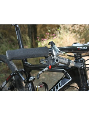 Frischknecht prefers to place his hands on foam grips while managing the new SRAM XX controls.