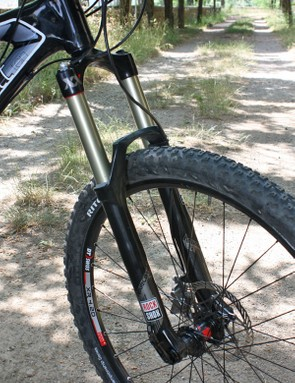 A 20mm thru-axle on the RockShox Revelation XX fork provides extra steering precision.