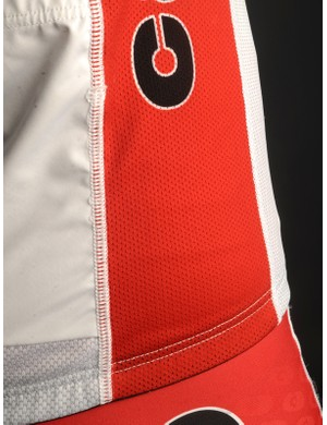 The open mesh sides extend all the way up through the armpits and sleeves for extra ventilation.