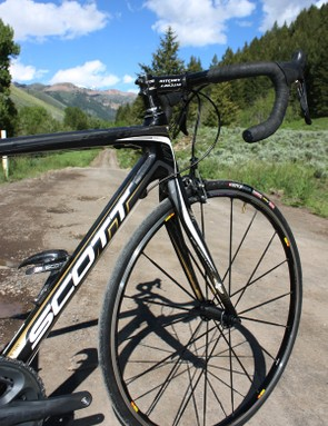 The 2010 CR1 frames will use shorter top tubes and longer head tubes for a more relaxed riding position relative to the original.