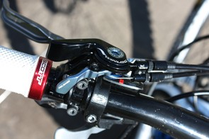 The new Twinloc remote will now control both the rear shock as well as select forks from Fox Racing Shox and DT Swiss.