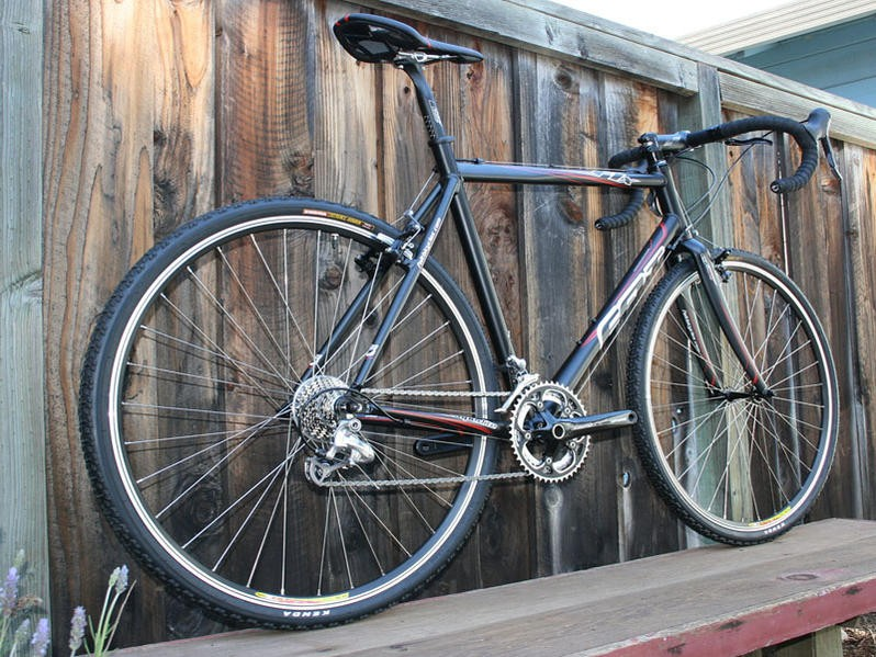 The 2008 Felt F1X cyclo-cross model.