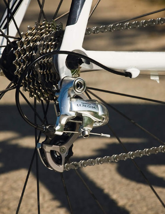 Shimano's Ultegra rear derailleur is the stand-out component that comes fitted to the Plasma
