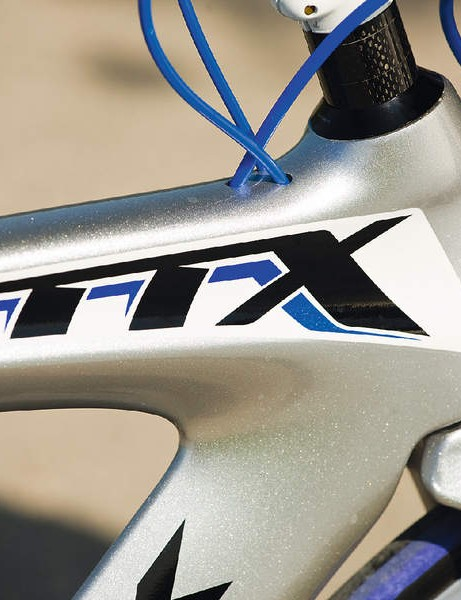 Internal cable routing minimises disruption to airflow