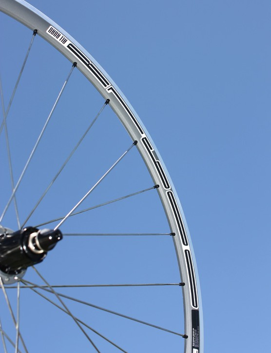 The shallow 24mm-deep aluminium clincher rim helps keep the total weight down to a reasonable 1,600g per pair.