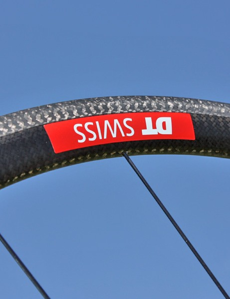 The shallow all-carbon rim spins up quickly and provides pulse-free braking.