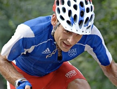 Frenchman Jean-Christophe Péraud won Beijing cross-country silver and is the new national road time trial champion.