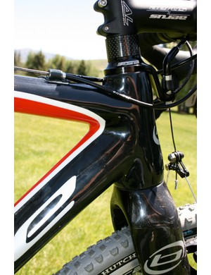 The larger lower head tube means a bigger down tube, adding stiffness and better tracking for 'cross racing