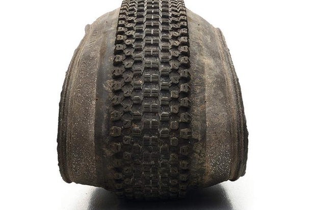 Kenda Small Block Eight DTC SWS 2.1in tyre