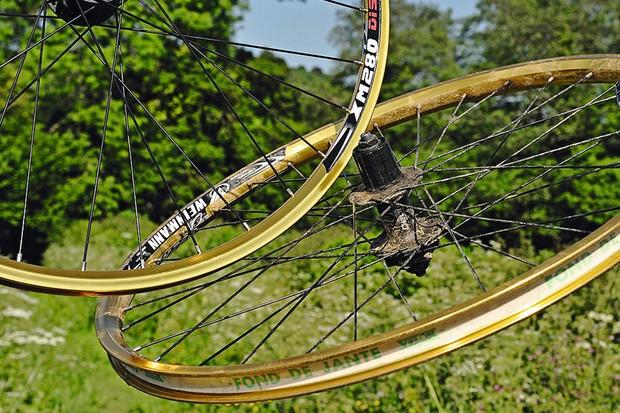 Weinmann XM820 rims/Deore disc gold hub wheelset