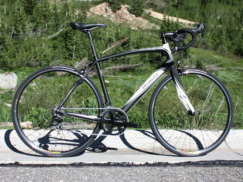New for 2010 is the Secteur range, which aims to provide Roubaix-like comfort and positioning but at a lower price point courtesy of its aluminium frame construction.