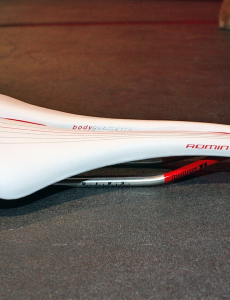 The Romin is mostly flat like the Toupe but has a slightly kicked-up tail.