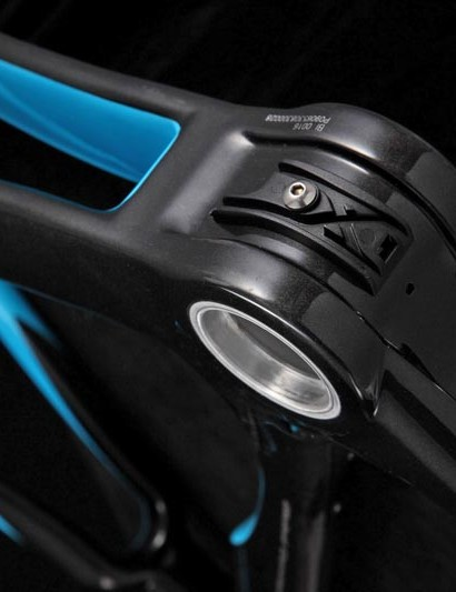 Recesses in the carbon to accommodate shifter cables