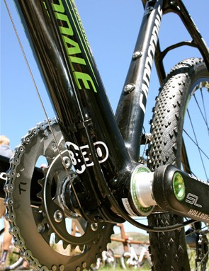 Cannondale pioneered the BB30 oversized bottom bracket shell, the perfect housing for its light and stiff Hollowgram SL crankset.