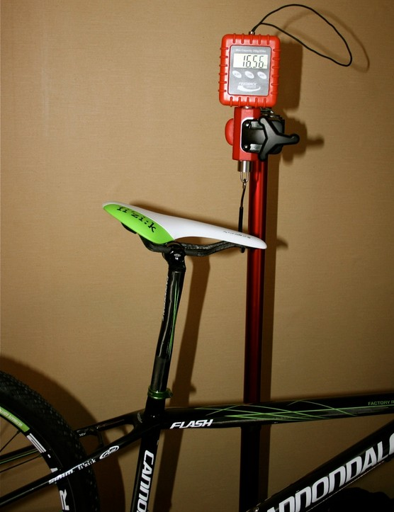 Yep, that reads correctly: 16.56 pounds without pedals for an 18-inch frame.