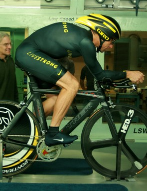 Lance Armstrong and aerodynamic guru Steve Hed (L) in the San Diego wind tunnel last November.