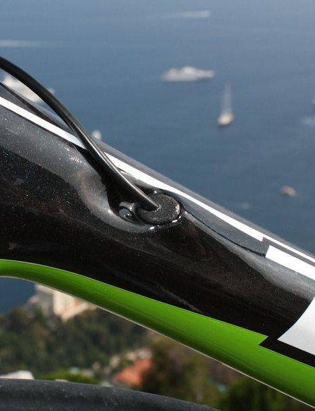 The new internal derailleur cable routing system can be used with either mechanical or electronic drivetrains.  Special plugs and guides are inserted when using Shimano's Dura-Ace Di2 electronic group