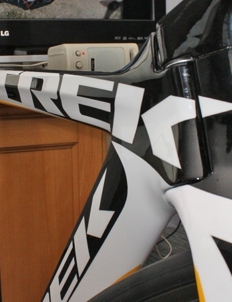 The relatively broad top tube helps keep the front triangle from twisting under load.