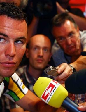 Mark Cavendish giving his best 'Zoolander' glance at Daniel Friebe.
