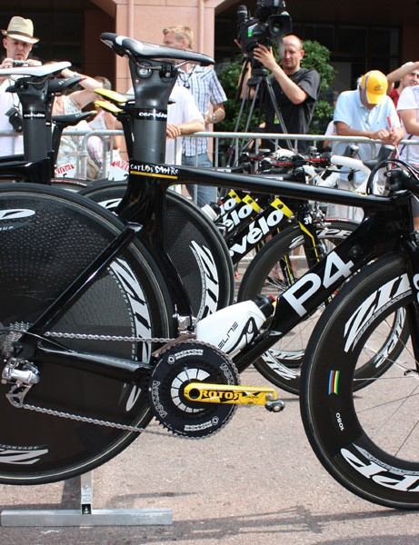 Carlos Sastre's P4 is essentially team-issue but for a few special touches.
