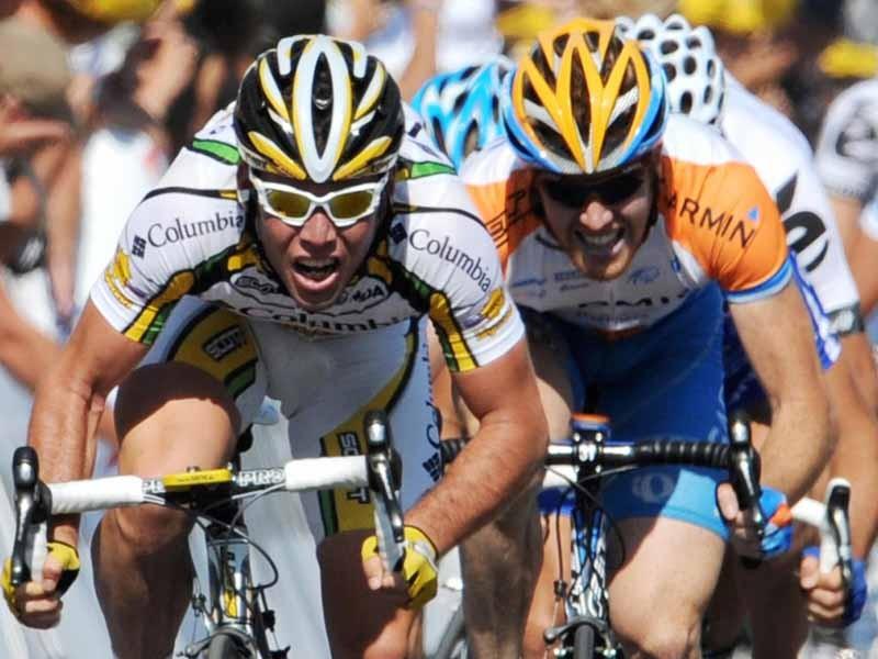 Tyler Farrar (R) was not far behind stage 2 winner Mark Cavendish