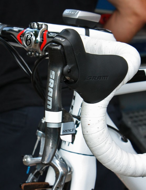 The effect is subtle but the white accents undoubtedly look good on Contador's custom white Trek 6 Series Madone.