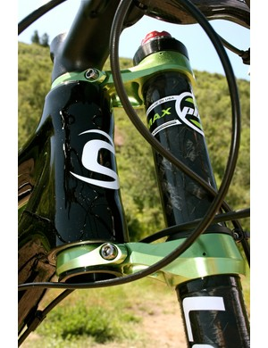 The Lefty custom clamps attach to the integrated head tube.