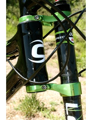 Carbon head tube and carbon Lefty - light, strong and beautifully matched.