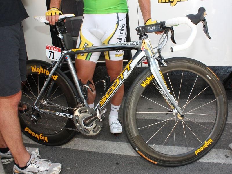 2aa05c555 Mark Cavendish (Columbia-HTC) is shooting down the competition with this  custom Scott