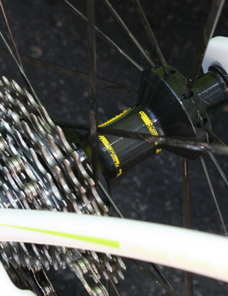 The rear hub looks to be borrowed from the Cosmic Carbone SL.