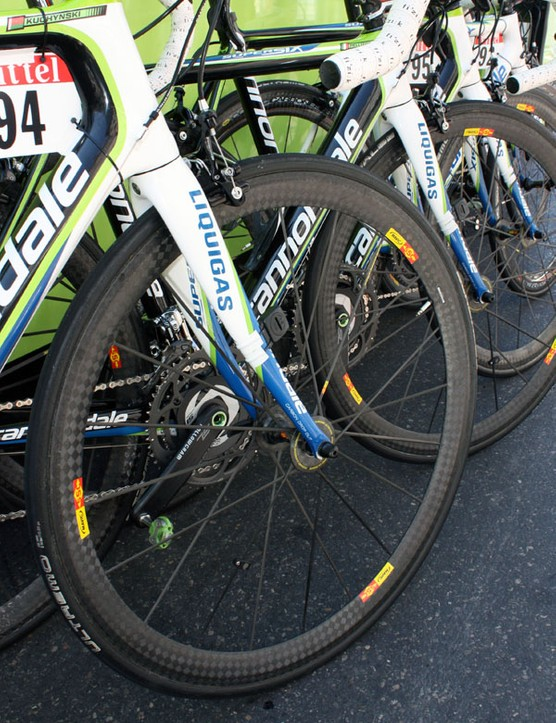 The rest of the Liquigas team was using Mavic's lighter Cosmic Carbone Ultimate for stage 3.
