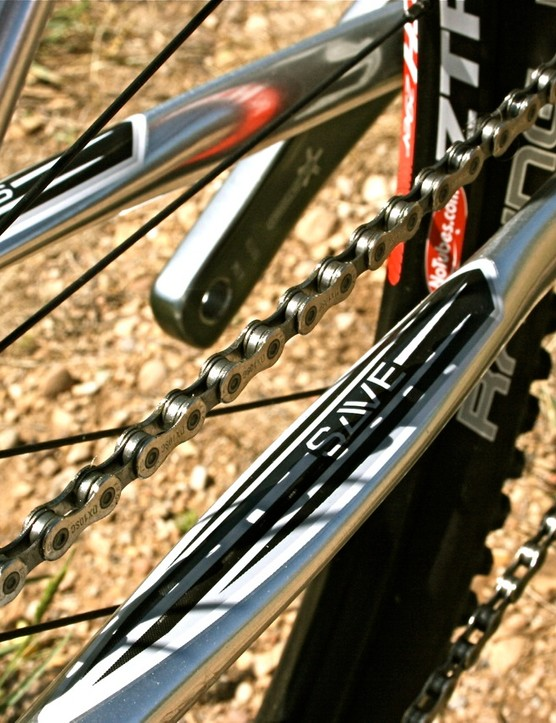 SAVE chainstays cut down on road buzz and provide a good spring to the ride.
