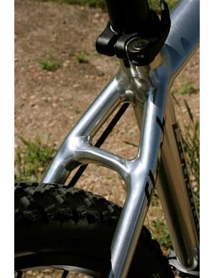 Clean welds at the seatstay brake bridge.