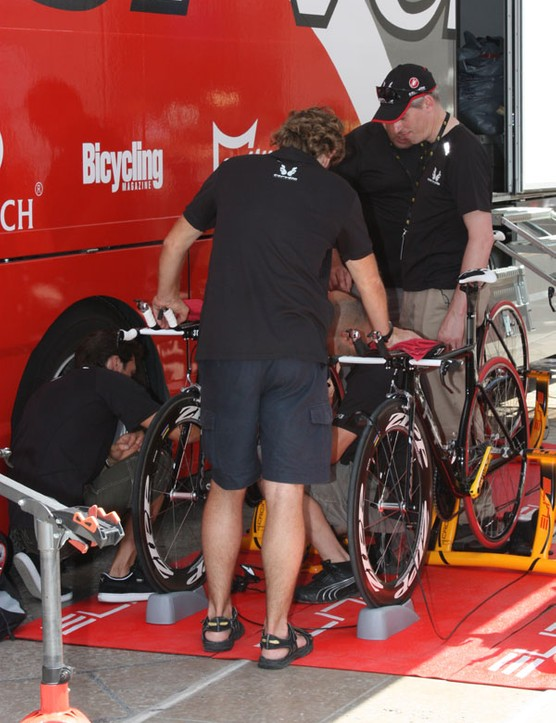 Riders were reportedly having trouble with bottle retention on their reconnaissance rides so team mechanics and staff had to make some last-minute modifications to get the bottles to stay put